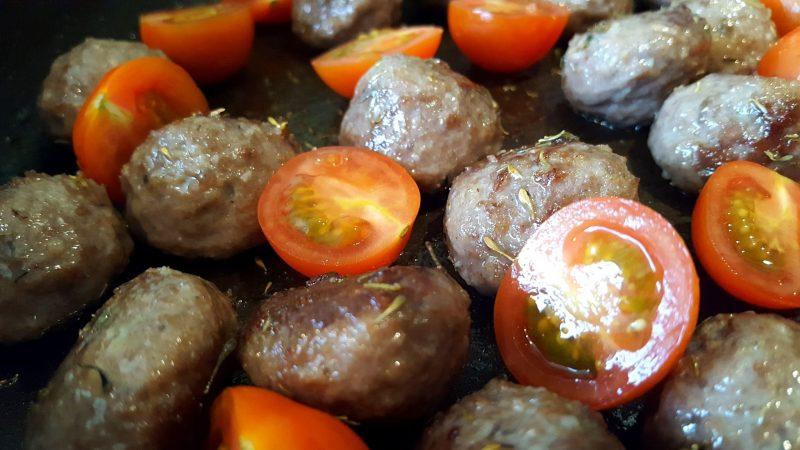 crispy potato and meatball pan fry