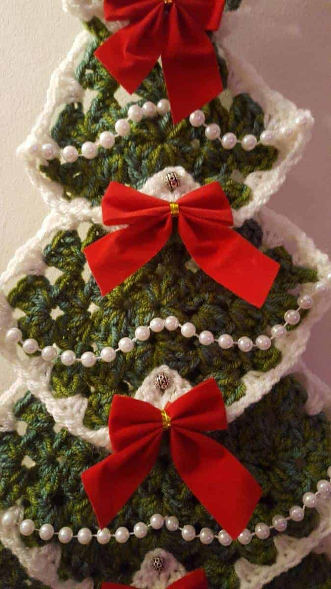 where to place your bows for your Christmas tree wall hanging