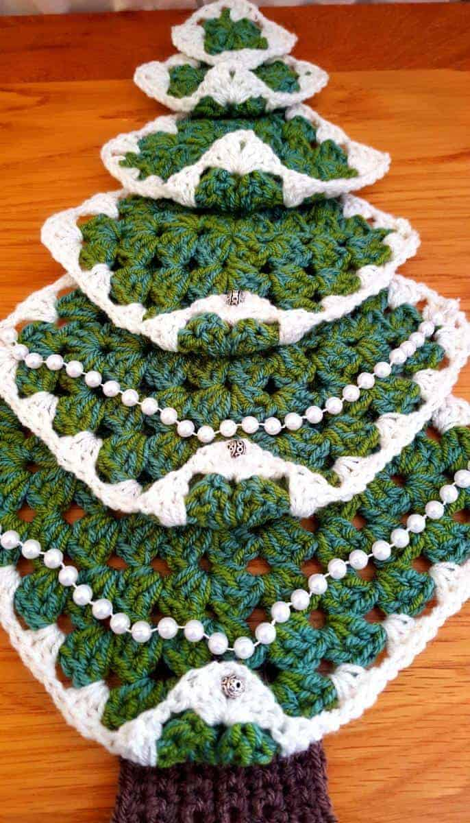Adding a string of beads to your Christmas Tree wall hanging